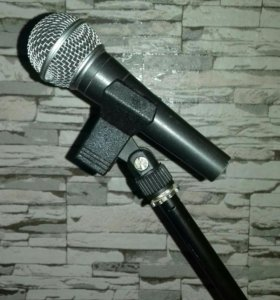 Продаю микрофон Shure