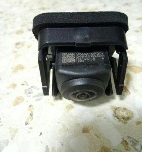 Орининальная камера заднего вида новая для рено.