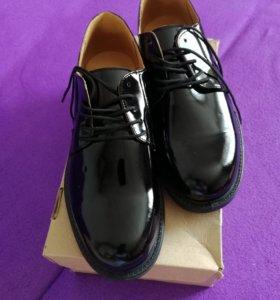 Продам офисную обувь