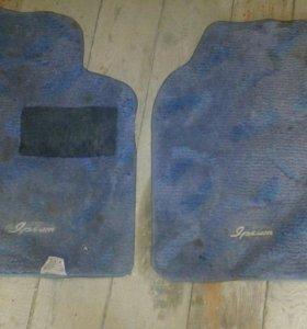 Два коврика тойота ipsum