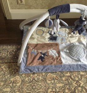 Развивающий коврик и кресло качалка