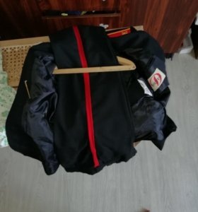 Китель и парадные штаны и 2 бежевые рубашки