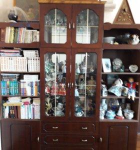 Мебель (стенка, два шкафа)
