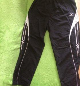 Спортивные брюки фирма Mizuno