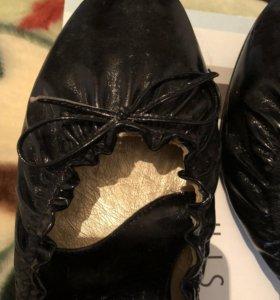 Туфли женские кожаные на каблуке (40 размер)