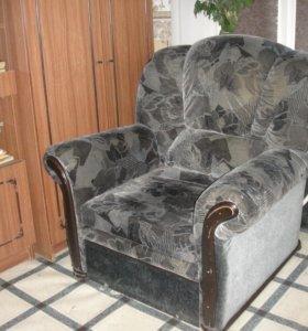 Кресло-кровать. прочное, надежное