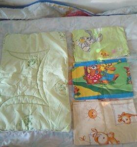 Подушка, наволочки, одеяла,простынь.