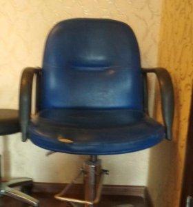 Парихмахерское кресло