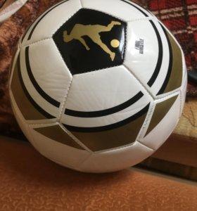 Мяч Рональдиньо