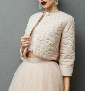 Новая свадебная куртка бежевого цвета