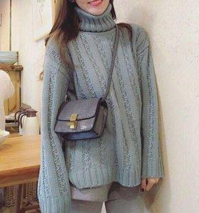 Продам свитер голубого цвета
