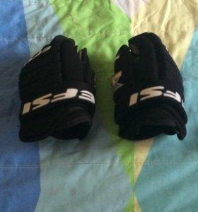 Краги хоккейные перчатки