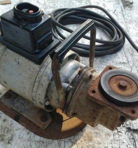 Электродвигатель АОЛБ-22-2 с навесным