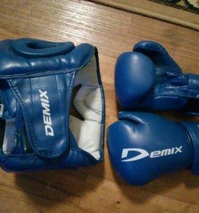 Перчатки и шлем для бокса детские