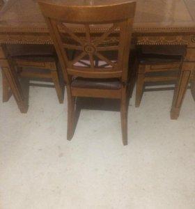 Стол обеденный деревянный с 4 стульями