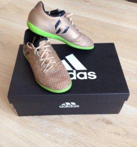 Футбольные бутсы для детей, размер 30 Adidas