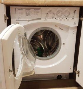 Встраиваемая стиральная машина ARISTON