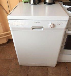 Посудомоечная машина electrolux ЕSF 63021