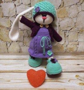 Вязаная игрушка заяц-тильда
