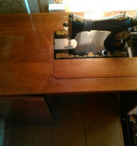 Продам старинную швейную машинку. Арбеково.
