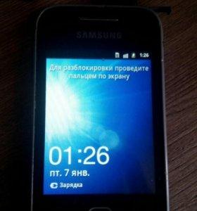 Телефон SAMSUNG GT-S5360.