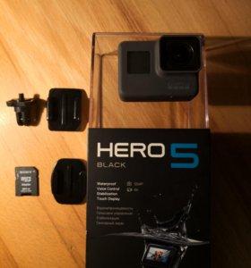 GoPro Hero 5 + 64 Гб + монопод 1 метр