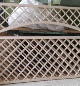 Деревянная решетка шпалера