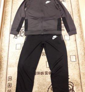 Новый спортианый костюм Nike для мальчика
