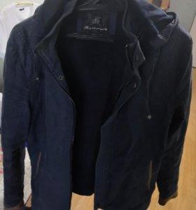 Продам куртки на мальчика