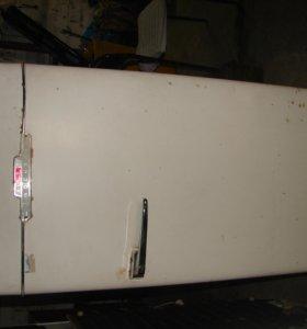 Антикварный холодильник ЗиЛ