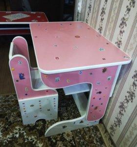 Детский столик-трансформер,