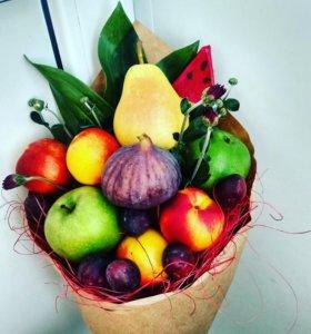 Букеты из фруктов, ягод и сладостей!)💐🍓🍍🍬