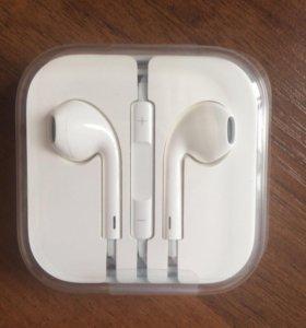 Проводные наушники Apple
