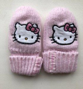 Отдам рукавички для новорожденной