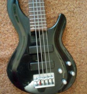 5- струнная активная бас гитара Аria