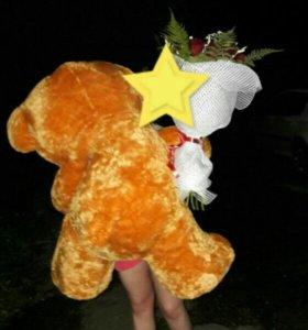 Медведь огромный !