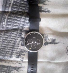 Smart часы Moto 360