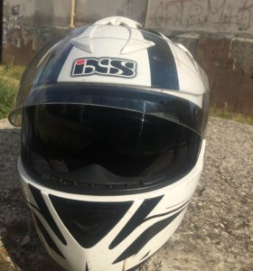 Мотошлем и перчатки IXS