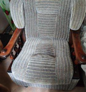 Кресло в хорошем состоянии, срочно продам !!
