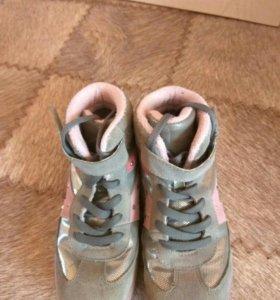 """Ботиночки-""""сникерсы""""на девочку"""