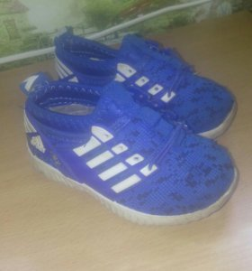 Обувь детская за 2 пары 400р