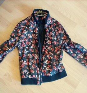 продам осеннюю/весеннюю куртку