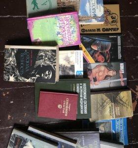 Много книг разной тематики