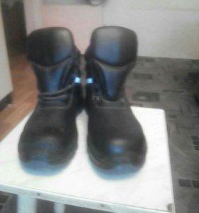 Продам Спец обувь