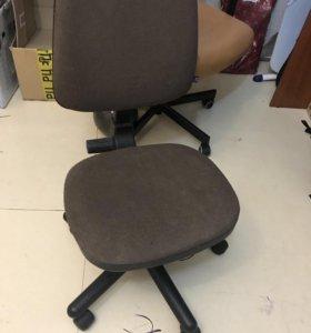 Продам компьютерное кресло в отличном состоянии