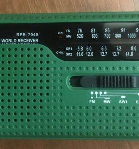 Компактный радиоприемник Ritmix RPR-7040