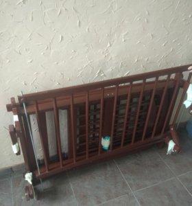 Детская кроватка с новым ортопедическим матрасом