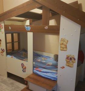 Домик-детская кровать
