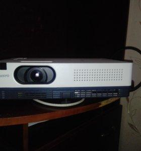 Проектор SANYO PLC-XD2600