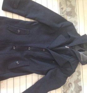 Пальто черное, размер 46-ой